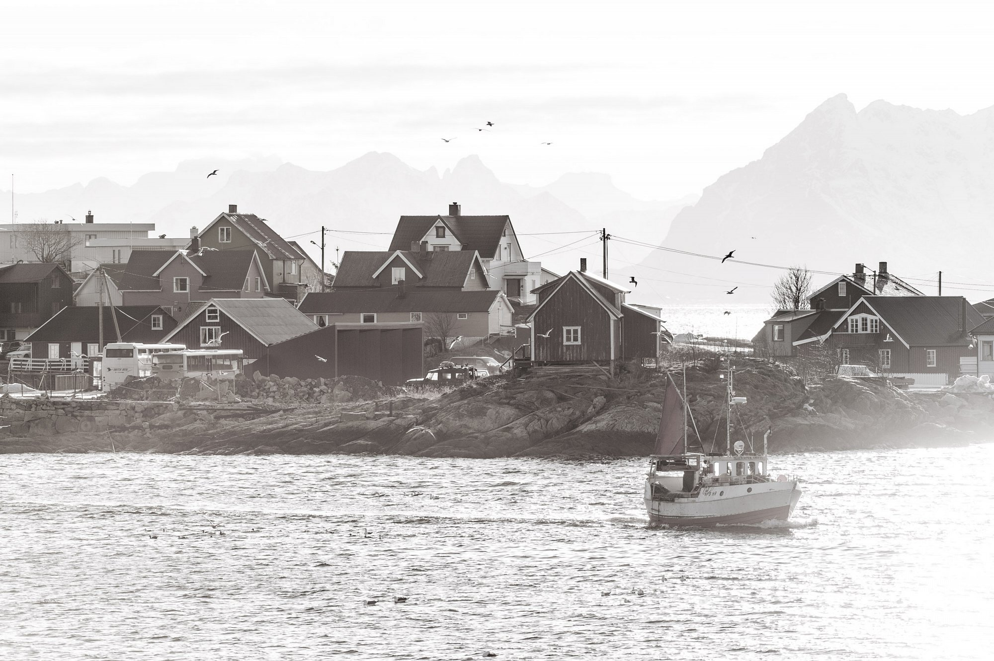 The Lofoten experience. Town of Henningsvaer. Private project.